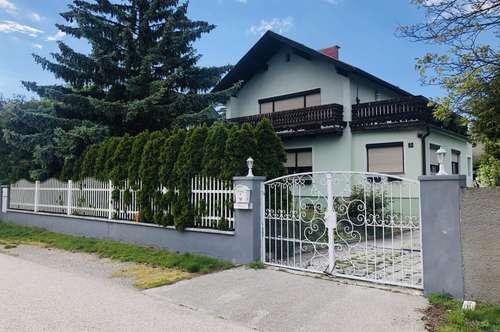 Nettes Einfamilienhaus mit Pool, Ruhelage direkt in Ebreichsdorf!