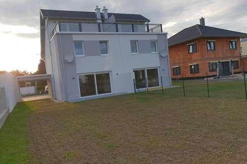 Neubau - Doppelhaushälfte mit Dachterrasse & Küche !