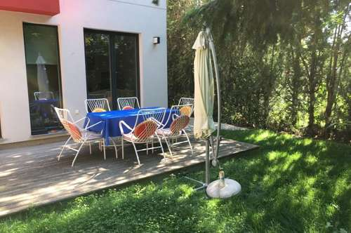 Gorgeous semi-detached house with garden near the old Danube
