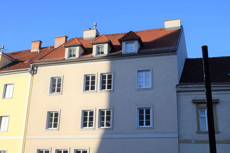 Zentral gelegene 3-Zimmer Wohnung mit Einbauküche und Balkon