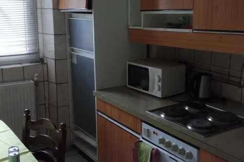 1 Zimmer mit Küche und Bad zum mitbenützen alles inclusive 350