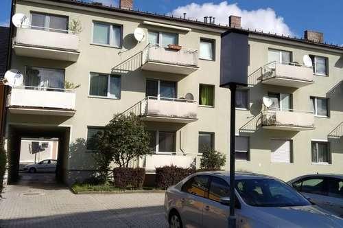 4 Zimmerwohnung im Halbstock mit Balkon