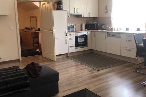 3 Zimmerwohnung mit einer Einbauküche in der Bahngasse