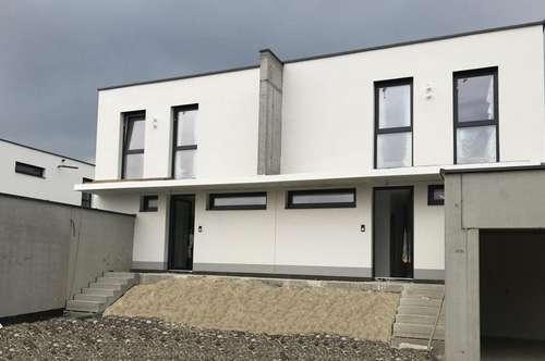 Exklusive Doppelhaushälfte in Kirchberg-Thening/Schauersfreiling