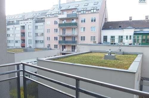Wunderschöne 2-Zimmerwohnung mit Balkon in Park-Nähe