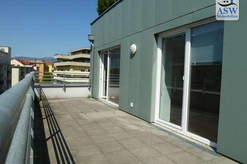 Urbanes Wohnfeeling! Sehr zentral gelegene 3-Zimmer Wohnung mit großzügiger ca 24 m² Terrasse im Annenviertel