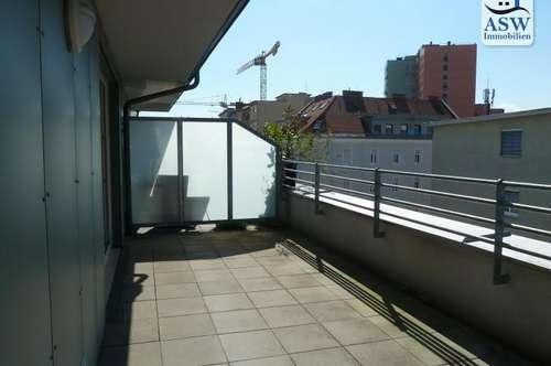 Herrliche 3-Zimmerwohnung mit 28 m² großer Terrasse im Annenviertel
