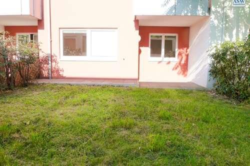 Schöne 2 Zimmerwohnung mit großzügigem, sonnigem Garten mit Terrasse in ruhiger Lage