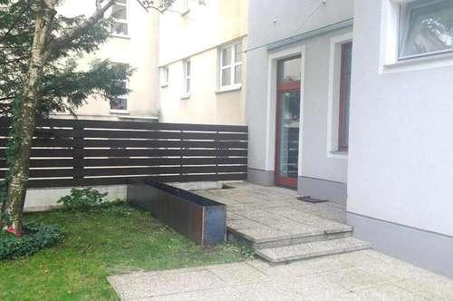 Perfekte Altbauwohnung mit Terrasse ins Grüne!
