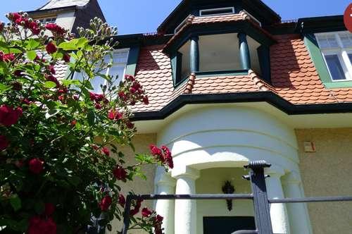 Villa der Jahrhundertwende in bester zentraler Lage - Sachsenviertel