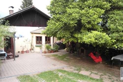 Vasoldsberg! Ein uriges Haus mit Nebengebäude plus einer Einliegerwohnung! Auf 2390m² Sonnengrund:))
