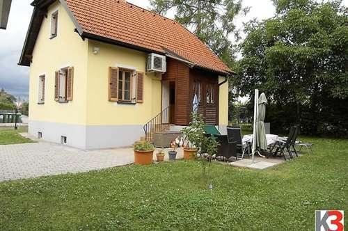 Nettes Haus mit schönem Grundstück und Doppelcarport in Seiersberg!