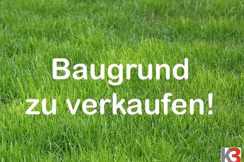 K3! Henndorf: Sehr schönes Baugrundstück! Mit kleinem Häuschen! Salzburger Seengebiet!