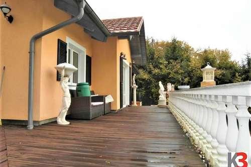 Ein 100m² Einfamilienhaus, ziegelmassiv-Bau, 130m² Terrasse, Erdwärme.