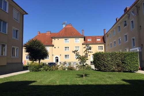 helle 3-Zimmer Wohnung mit Innenhofblick