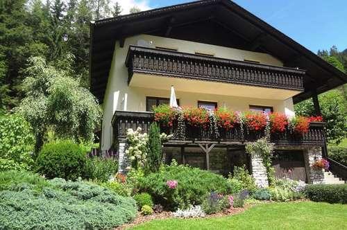 schönes, sauberes Wohnhaus mit tollem Garten in ländlicher Gegend