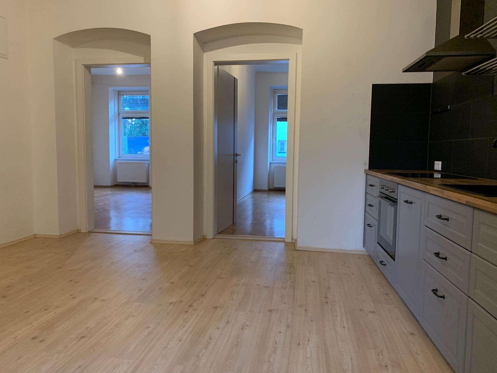 Helle Zweizimmer-Wohnung mit Gartenmitbenützung