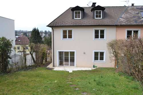 Modernes Einfamilienhaus in Grünlage- ein Gegenpol zum Trubel in der Stadt