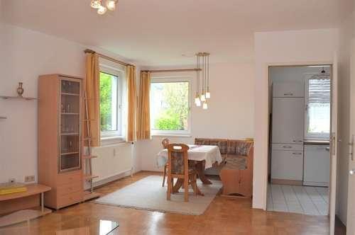 2 Zimmer Wohnung mit Balkon, inkl. Garagenstellplatz und Top Infrastruktur!