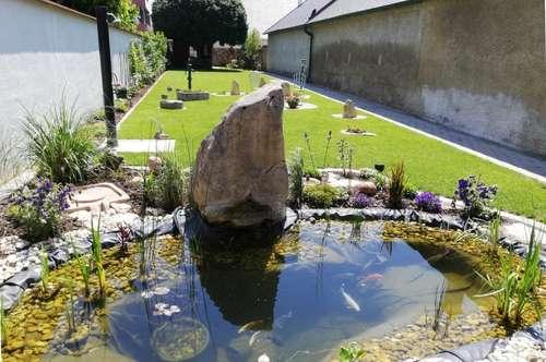 Im Zentrum von Neusiedl am See: Zweifamilienhaus (wie neu) 366 m² Nutzfläche + 444 m² paradiesischer Garten