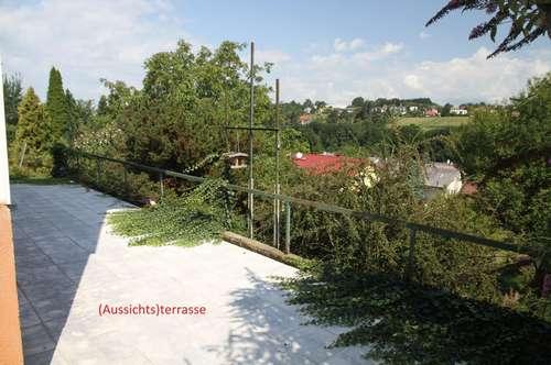 Einfamilienhaus mit Aussichtsterrasse (Landschaftsweitblick) 4 große Zimmer + 10 Nebenräume + Garage, Solaranlage am Dach