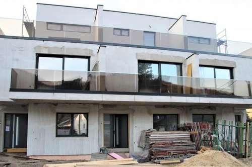 NUR € 399.000,- NFL 215 m² 6 Zimmer + 4(!) Badezimmer, 2 Balkone, 2 Terrassen, Garten mit Terrasse, 2 KFZ-Plätze