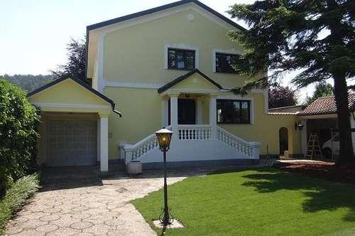 Wunderschönes Haus mit Traumgarten in bester Lage - BISAMBERG
