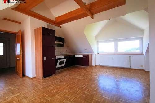 3 Zimmer Dachgeschosswohnung mit Balkon in Kärntens Sonnenparadies