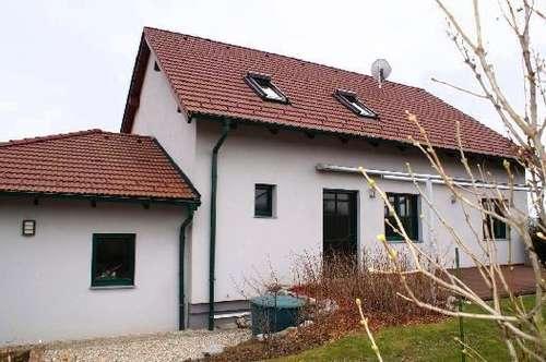 Niedrigenergiehaus in fantastischer Grünruhehelage, nähe Autobahn A5