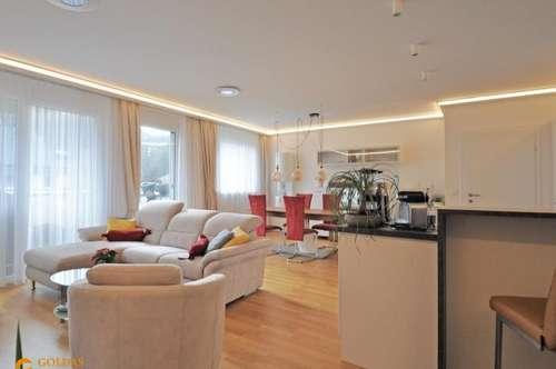 NEUWERTIGE, SONNIGE 3 Zimmer Wohnung mit 2 GARAGENPLÄTZEN
