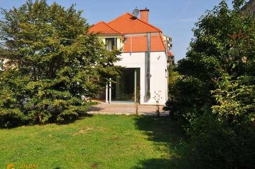 WOHNEN und ARBEITEN in schöner JAHRHUNDERTWENDE-Villa mit SÜD-GARTEN im Sachsenviertel