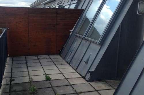 Sonnige DG-Wohnung mit 2 Terrassen