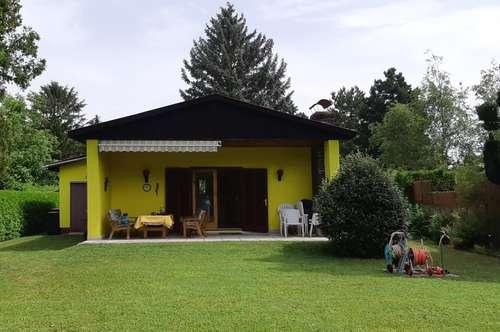 Traumgrundstück am Neufelder See mit schönem Haus!