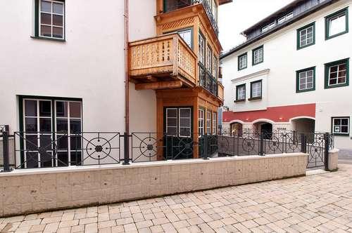 Exquisite 2 /1/2 Zimmer Wohnung Eigene Zufahrt