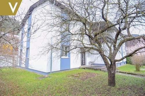 Zwei-Familien-Villa in idyllischer, ländlicher Lage // Two-family villa in an idyllic, rural location //