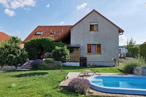 Riesiges Einfamilienhaus 232m² WFL. 8 Zimmer - Keller 122m² - Garten 510m² nur 4km bis Wien