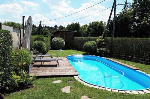 Ihr Traumhaus mit Fernblick, 300m² Garten und Swimmingpool - der Sommer kann kommen!