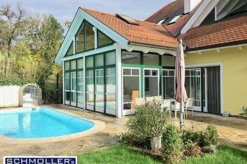 Exklusive Gartenwohnung mit Hauscharakter - Wintergarten und Pool