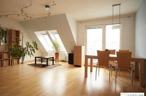 Familienfreundliche Dachgeschoss-Terrassenwohnung in U Bahn Nähe