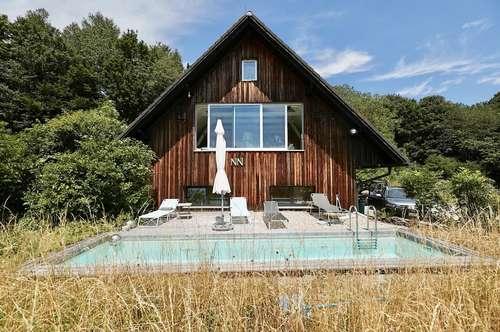 Für Individualisten! Idyllisches Landhaus mit Swimmingpool und einzigartigem Panoramablick