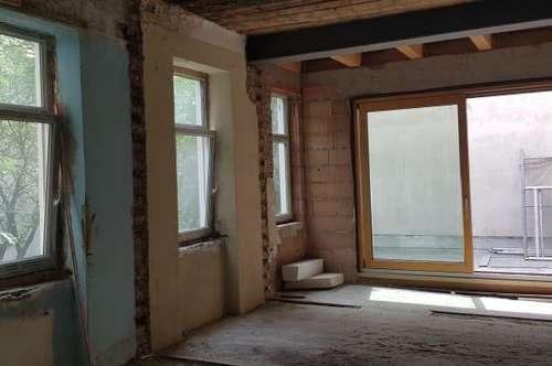 Terrassenwohnung auf zwei Ebenen nähe Augarten   Individuelle Generalsanierung!