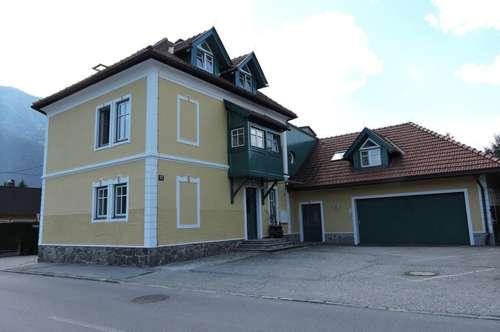 Haus mit 2 Wohnungen inklusive Garten und Praxis