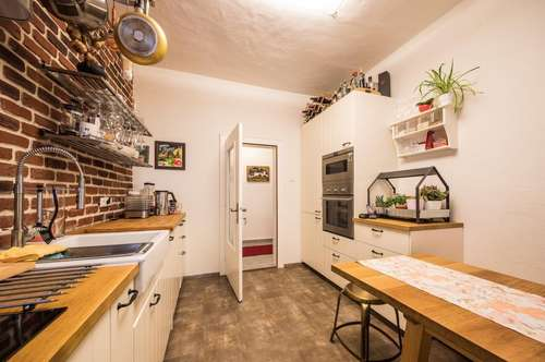 Wohnen mit Altbauflair: 3-Zimmer-Wohnung in guter Zentrumslage