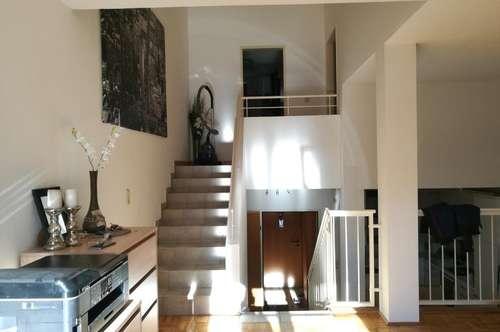 Lichtdurchflutete 2 1/2 Zimmer-Wohnung mit Sonnenbalkon