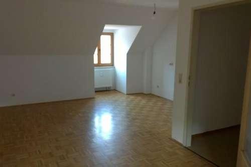 Kleine Wohnung am Hauptplatz Friesach!