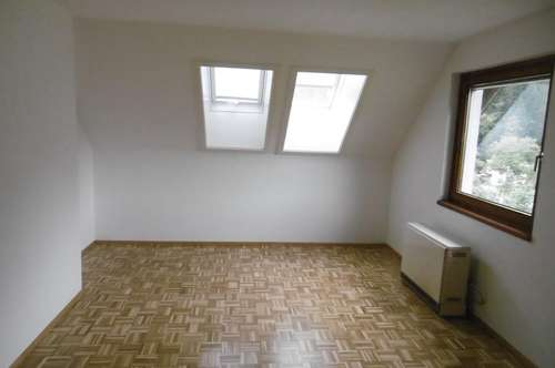 Platz für ALLE - schöne 4-Zimmer-Wohnung in KOLBNITZ! Provisionsfrei!