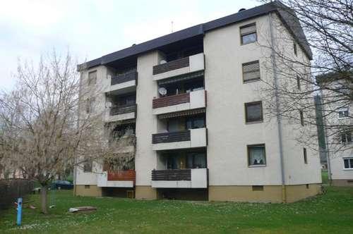 **FRÜHLINGSAKTION - 3 Monate Hauptmietzinsfrei!!** 3-Zimmer Familienwohnung in ruhiger Siedlungslage
