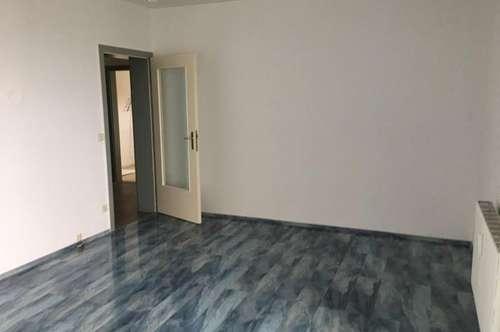 3 Zimmer - Industriestraße