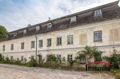 EXKLUSIVER LANDSITZ – renovierungsbedürftiges Herrenhaus!