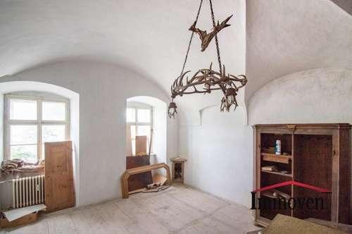 EXKLUSIVER LANDSITZ! Herrenhaus - renovierungsbedürftig aber wunderschön!